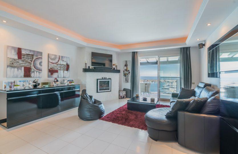 ático con vistas al mar puerto Banús